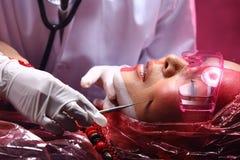 Cirurgia plástica criativa no modo vermelho de Tone Fashion Patient Female Imagens de Stock