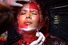 Cirurgia plástica criativa no modo vermelho de Tone Fashion Patient Female Fotos de Stock Royalty Free