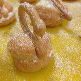 Cisne de la pasta de hojaldre de los Choux foto de archivo libre de regalías