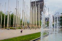 Cisneros Vierkant of Park van Lichten in Medellin stock afbeeldingen