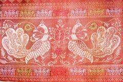 Cisnes tradicionais bordadas do teste padrão Foto de Stock Royalty Free