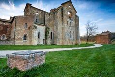 Cistercian abbotskloster av San Galgano nära Chiusdino, Tuscany, Italien Arkivfoto