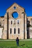 Cistercian abbotskloster av San Galgano nära Chiusdino, Tuscany, Italien Arkivbild