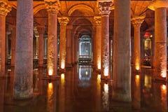 Cisterna de la basílica del agua de subterráneo - Estambul Imagen de archivo
