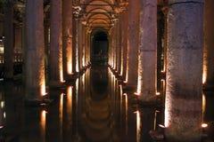 Cisterna de la basílica en Estambul, Turquía Foto de archivo