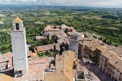 Cisterna del della de la plaza en el centro histórico de San Gimignano Imagen de archivo