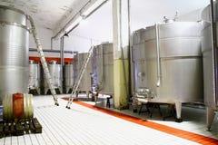 Cisterna do vinho para a fermentação Fotografia de Stock