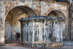 Cisterna en fortaleza vieja Fotos de archivo
