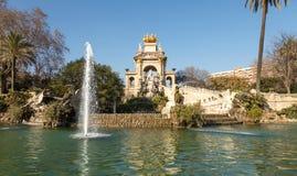 cit Барселона пруд Урбанско ландшафт тропический Парк стоковое фото rf