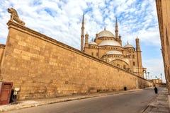 Citadell av Kairoväggen och moskén av den Muhammad Ali sikten, Egypten royaltyfri fotografi