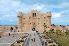 Citadell av Qaitbay, en defensiv fästning för 15th århundrade som lokaliseras på medelhavkusten, Alexandria, Egypten Fotografering för Bildbyråer