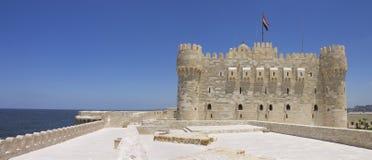 Citadelle de Qaitbay et de mer Photo stock