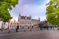 Citadelle enrichie Stadhuis avec la place de Burg photographie stock libre de droits