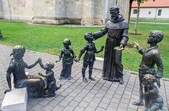 Citadelvesting Alba Carolina, standbeelden in de binnenplaats worden gesitueerd die royalty-vrije stock foto