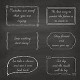 Citas de motivación fijadas en burbujas del discurso encendido Imagenes de archivo