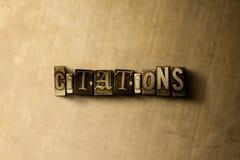 CITATIONS - plan rapproché de mot composé par vintage sale sur le contexte en métal Image stock