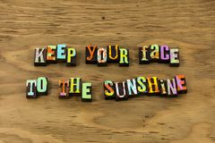 Citationstecken för boktryck för optimism för lycka för framsidasolskensolljus positivt fotografering för bildbyråer