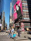 Citi在时代广场, NYC, NY,美国附近的自行车车手 免版税库存图片