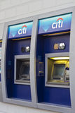 Citibank ATM mit Zeichen in Filialbank Lizenzfreie Stockfotos