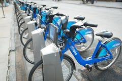 Citibikes в Нью-Йорке NY общественная система Bikeshare стоковые изображения