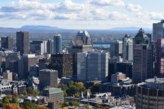 Citiview från en kulle i Montreal Kanada royaltyfria foton