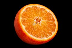 Citrinos da clementina no preto fotos de stock royalty free