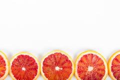 Citrinos frescos coloridos no fundo branco Laranja, tangeri Fotografia de Stock Royalty Free