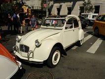 Citroen com bandeira francesa, reunião do dia de Bastille & encontro, NYC, NY, EUA Foto de Stock Royalty Free