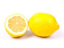 Citroen en de helft van citroen Stock Afbeeldingen