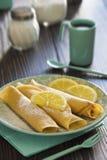 Citroen en Gepoederd Sugar Dessert Crepes Royalty-vrije Stock Foto