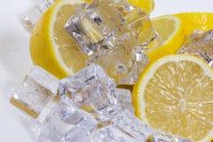 Citroen met ijs Stock Afbeeldingen
