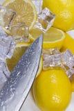 Citroen met ijs Stock Afbeelding