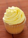 Citroen op smaak gebrachte Cupcake stock afbeeldingen