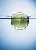 Citroen in water Stock Foto's