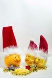 Citroenen en grapefruit op een witte feestelijke achtergrond, Royalty-vrije Stock Foto