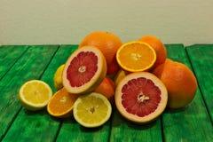 Citroenen, sinaasappelen en kalk Royalty-vrije Stock Afbeeldingen