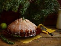 Citroenpastei met rozemarijn en kalksuikerglazuur Stock Foto