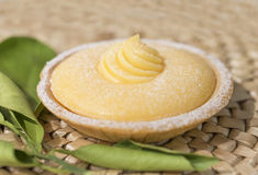 Citron Curd Tartlet Image stock