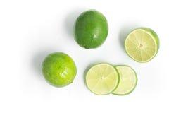 Citron du Tahiti coupé en tranches photo stock