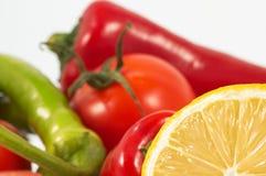 Citron et légumes image libre de droits