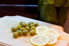 Citron et olives Photos stock