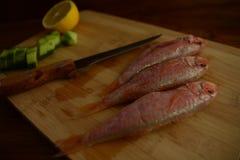 Citron för cumle för ny Fisher skärbräda wood Arkivbild