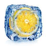 Citron i iskub Arkivfoton