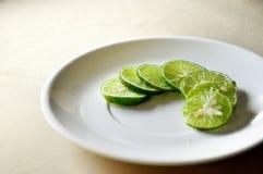 Citron i plattan Arkivbild
