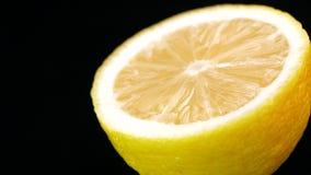 Citron med vattendroppar av längd i fot räknat arkivfilmer