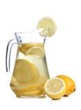 Citron och exponeringsglas på vit royaltyfri bild
