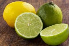 Citron och limefrukt arkivbild
