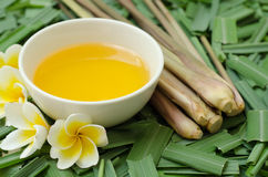 Free Citronella Oil For Spa Royalty Free Stock Photography - 32394037