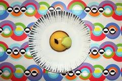 Citronkaka på en platta Royaltyfria Bilder