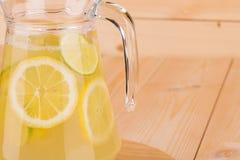 Citronnade fraîche Photographie stock libre de droits